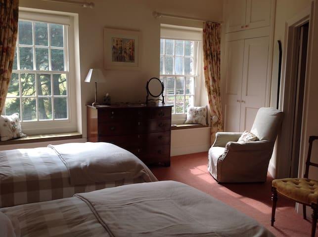 South bedroom, - Brecon - Huis