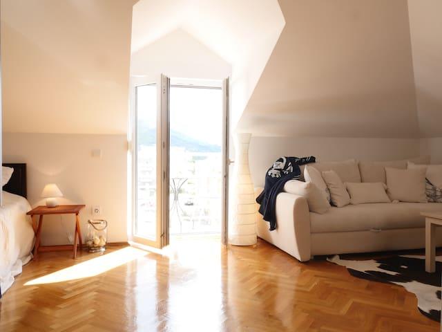 Cozy studio with a sea view - Makarska - Apartemen