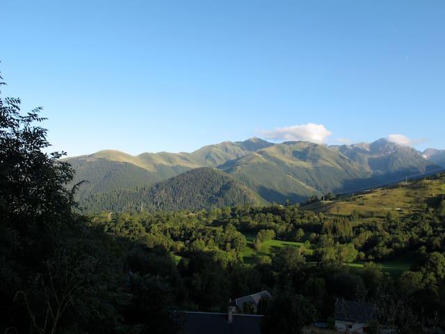 Chalet de montagne avec panorama - Poubeau - Rumah