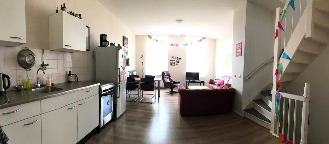 Spacious private apartment close to the Maas - Rotterdam - Daire