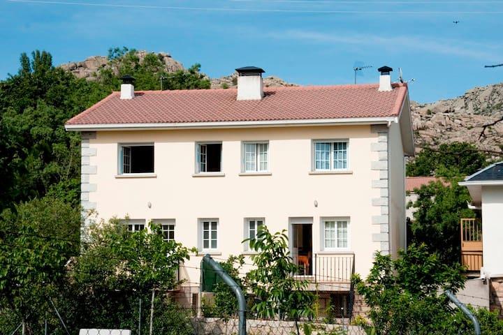 Casa de campo cercana a Madrid - Valdemanco