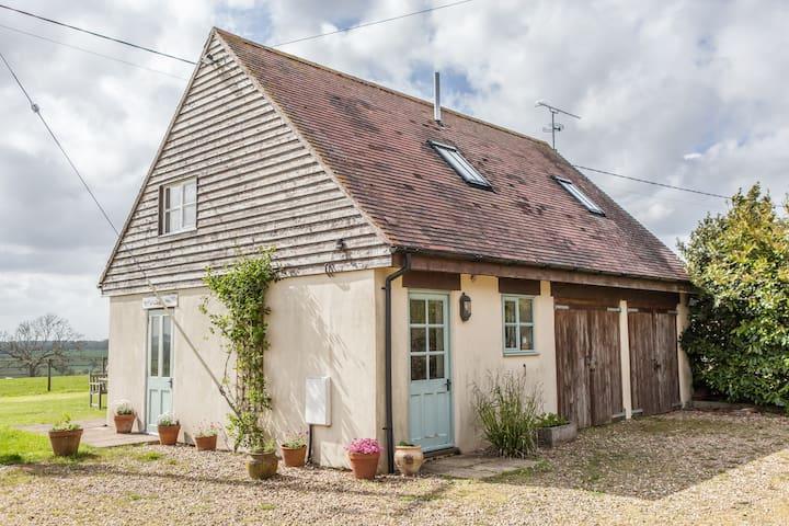 Entire Cottage B&B, Stunning Views - Sherborne - Bed & Breakfast