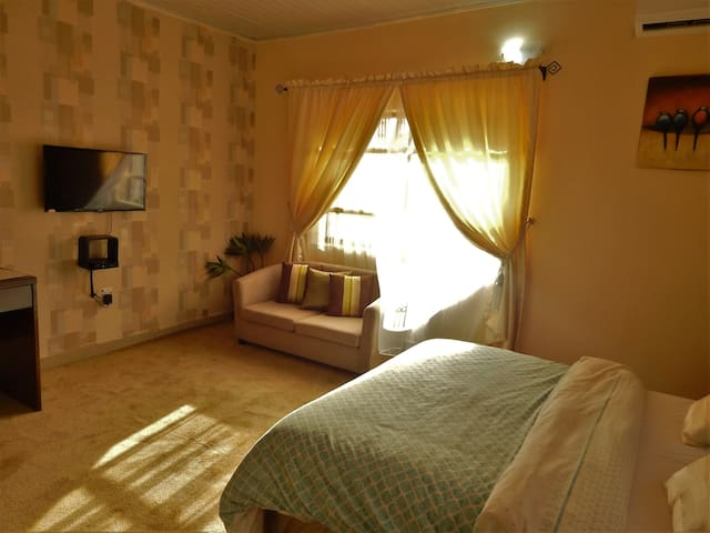 Private DeluxeRoom at Redwood place - Abuja - Daire