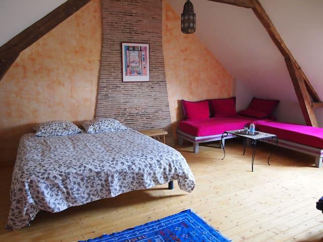 chambre spacieuse dans maison à la campagne - Anetz - Hus