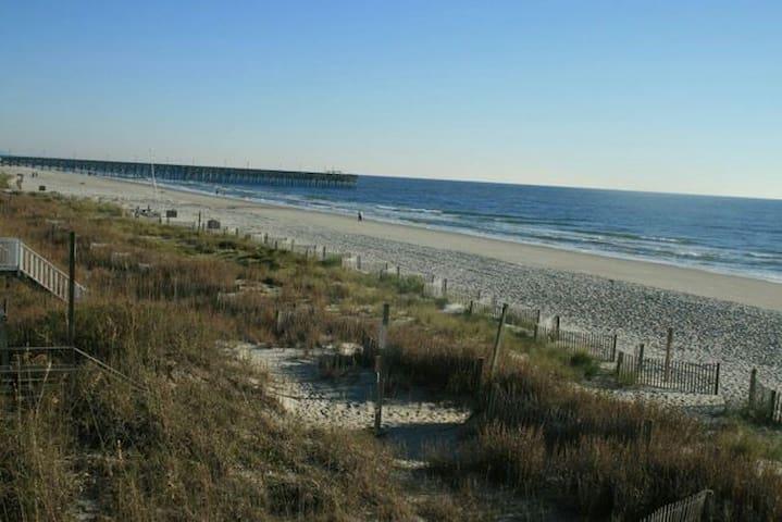 Ocean Front Beach Home - Surfside Beach - Ház