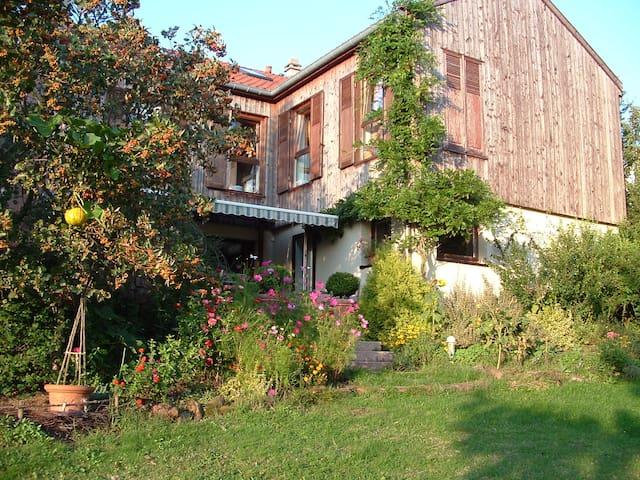 Maison chaleureuse et spacieuse - Lambach