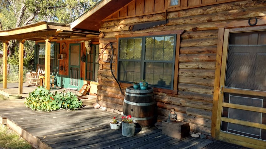 Agave Guest House - Gila - Cabin