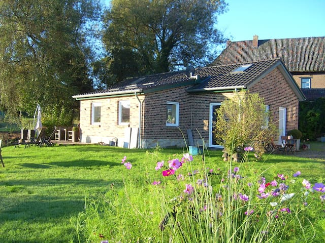 """Freistehendes Ferienhaus """"Maison Marguerite"""" - Lemiers - Huis"""