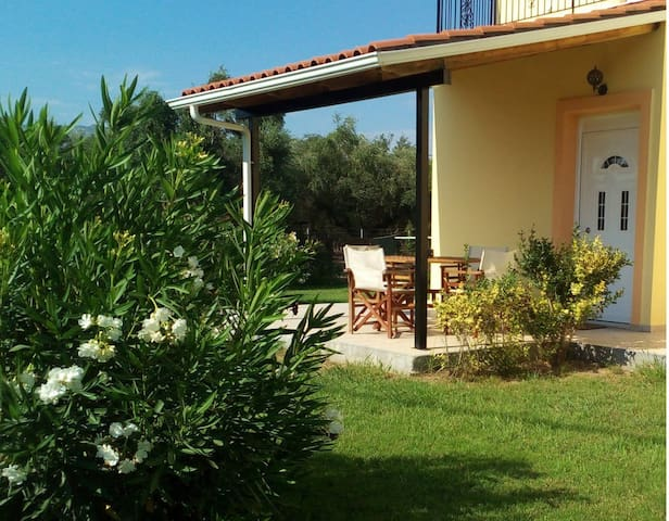 Garden Double Room-ΑΝΘΟΣ Ενοικιαζόμενα δωμάτια - Kakovatos - Apartamento