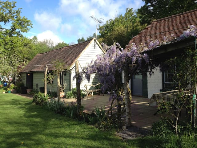 Charming Deer Cottage - East Sussex - Kulübe