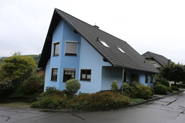 Gemütliches Zimmer für 1-2 - in Wiedenest - Bergneustadt - Dom