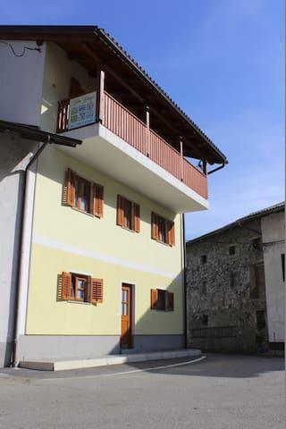Hiša Kranjc - veliki apartma - Svino - Leilighet