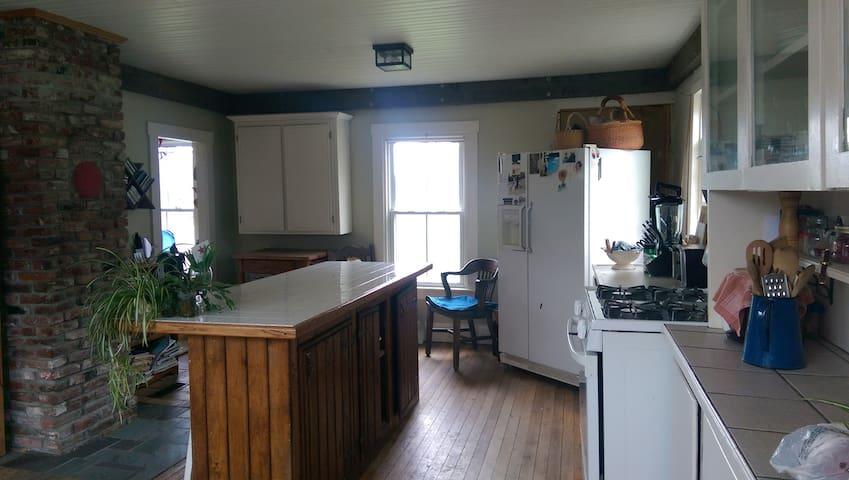 pretty little rustic farmhouse - Waldo - Huis
