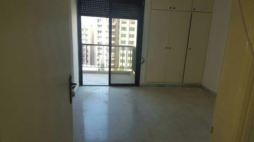 A convenient 3 bedroom house - Beirut - Hus