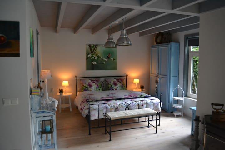 Ut Atuljeeke Tuinhuis/Appartement - Soerendonk - Bed & Breakfast
