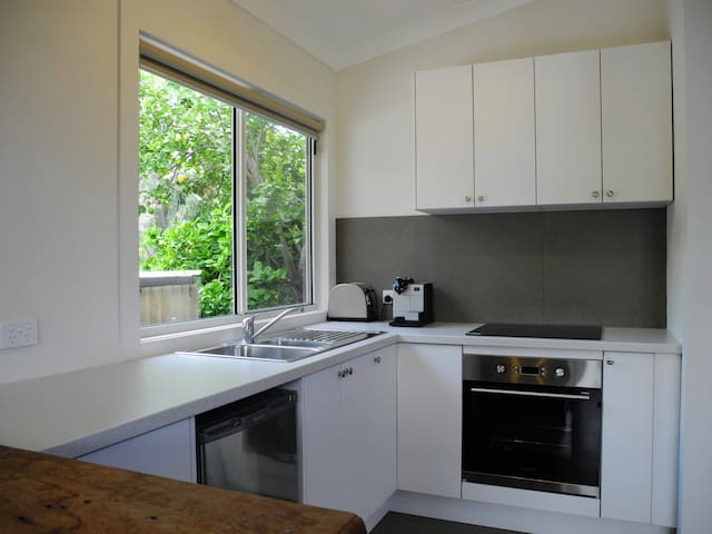 Self contained studio unit close to CBD and tram - Goodwood - Talo