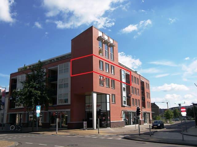 Midden in CENTRUM ruim appartement - Apeldoorn - Leilighet