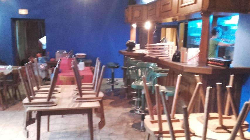 Ancien restaurant rénové avec dancefloor chambres - Diemeringen - Bed & Breakfast