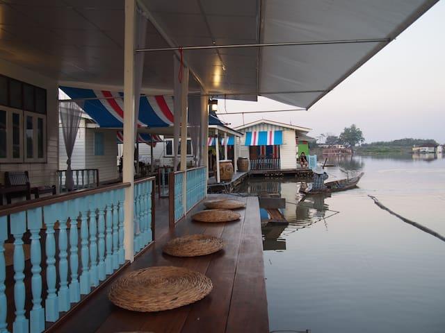 อยู่แพ Paestay Uthaithani - Uthai Thani - Pousada