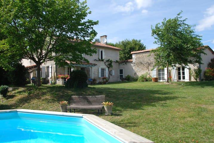 Sfeervol familiehuis in de Dordogne - Lusignac - Huis