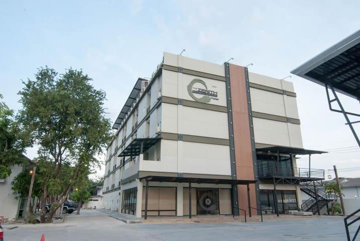 Zenith Residence Hotel - Nakhon Ratchasima - Boutique-hotell