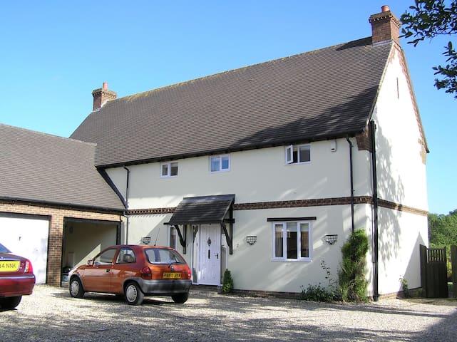South-facing room, quiet village - Lytchett Matravers - Bed & Breakfast