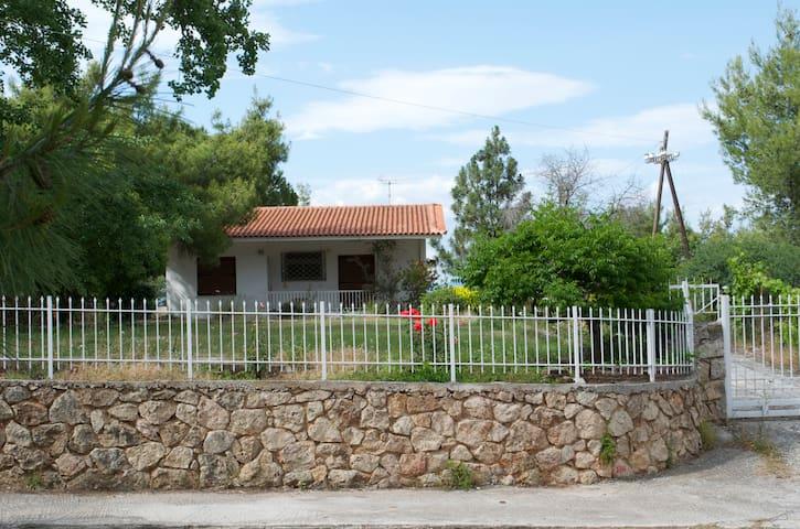 Traditional cottage retreat - Kalamos - Ev