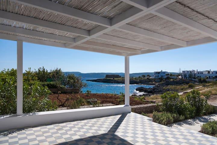 Avlemonas Beach front House - Kythira - Casa