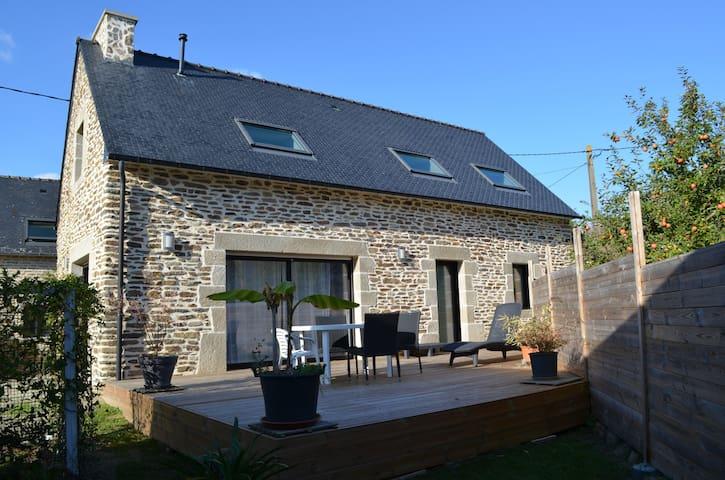 Maison en pierre avec Terrasse - Clohars-Carnoët - 一軒家