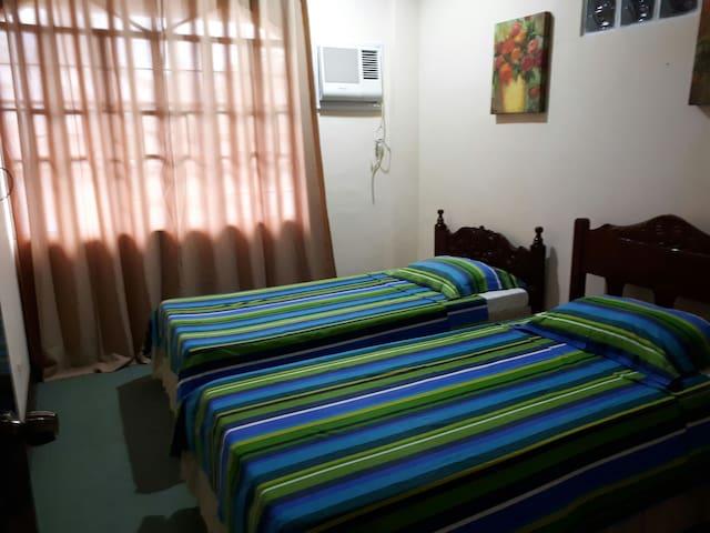 Galaxy Twin Bed w/ Common Bathroom - Tacloban City - Oda + Kahvaltı