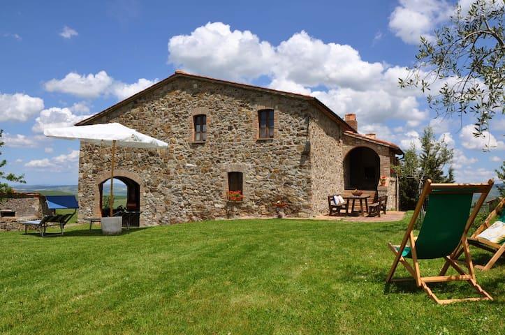 Near Pienza overlooking Val d'Orcia - Castiglione d'Orcia - Villa