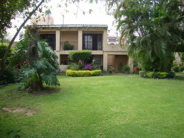 Preciosa Casa en Cuautla (Brisas) - Cuautla - Haus