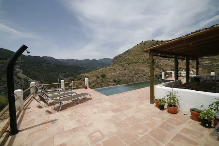 Villa in the mountains with views - Guájar-Faragüit
