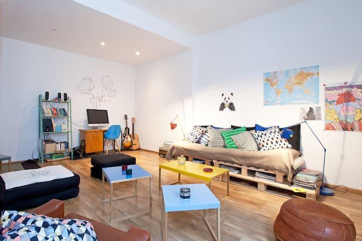 Loft 65 m2 avec terrasse - Nîmes - Loft