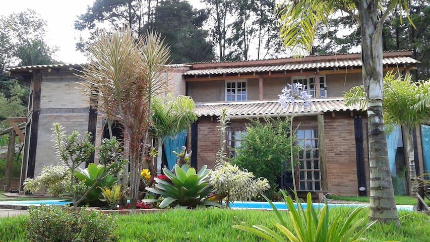 Vila das Orquídeas - quarto - Guararema