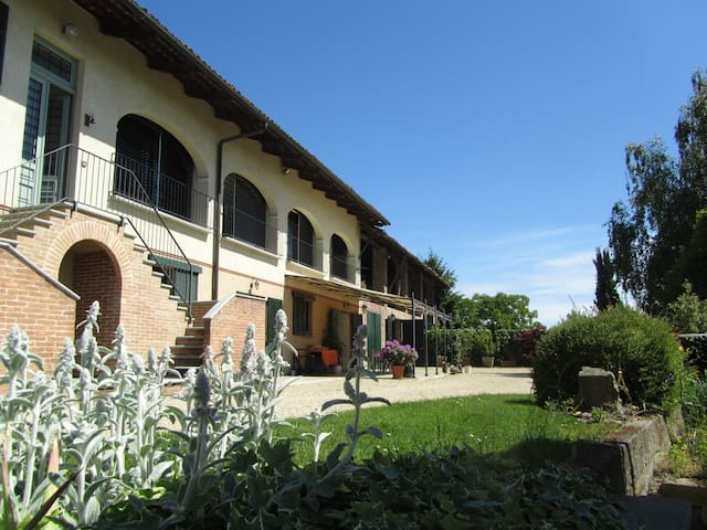 Villa in the hills, 15' from Turin - Pavarolo - Bed & Breakfast