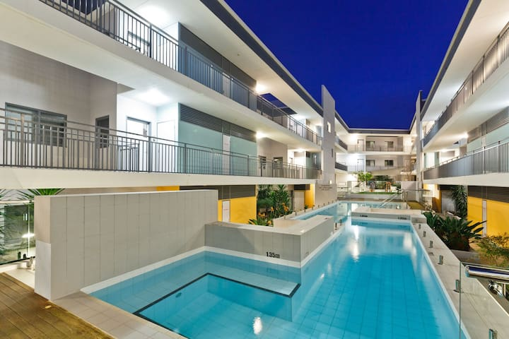 Success Apartment,50m trainline - Cockburn Central - Квартира