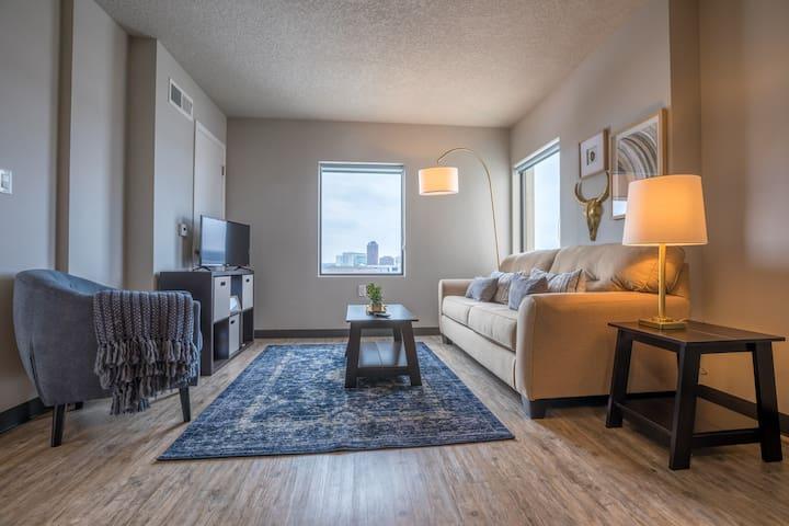 Luxury East Village Flat (305) - Des Moines