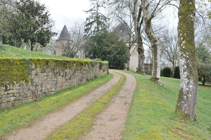 Château de Péret - Lissac-et-Mouret - Kasteel