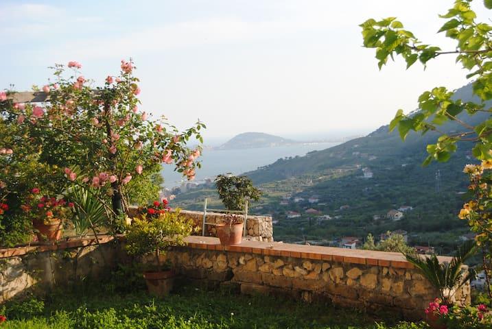 Roof garden on mountains & sea - Formia  - Maison