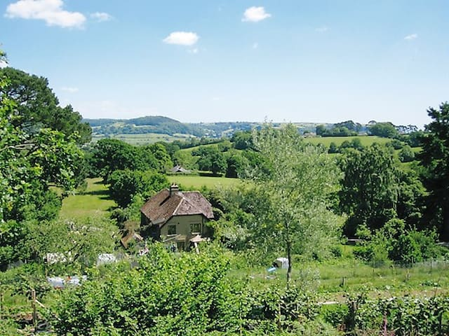 Holyford self-contained flat on eco-smallholding - Colyford