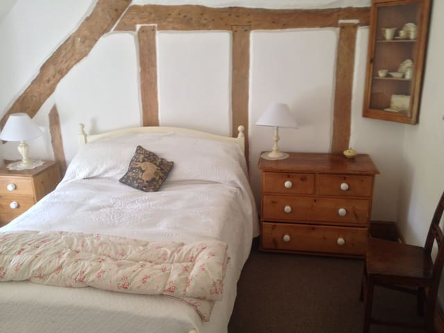 B&B in Double Room with Ensuite at Brewers Cottage - Isle Brewers