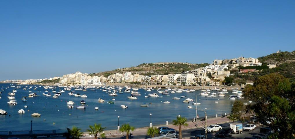 Room in bright and large apartment in Xemxija - San Pawl il-Baħar - Leilighet