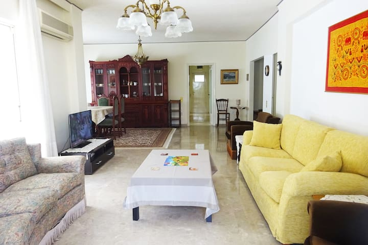 Spacious and Comfortable Apartment in Athens - Marousi - Appartement