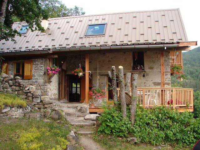 Chalet de montagne de 70 m2 Haut-Verdon Mercantour - Colmars - Alpstuga