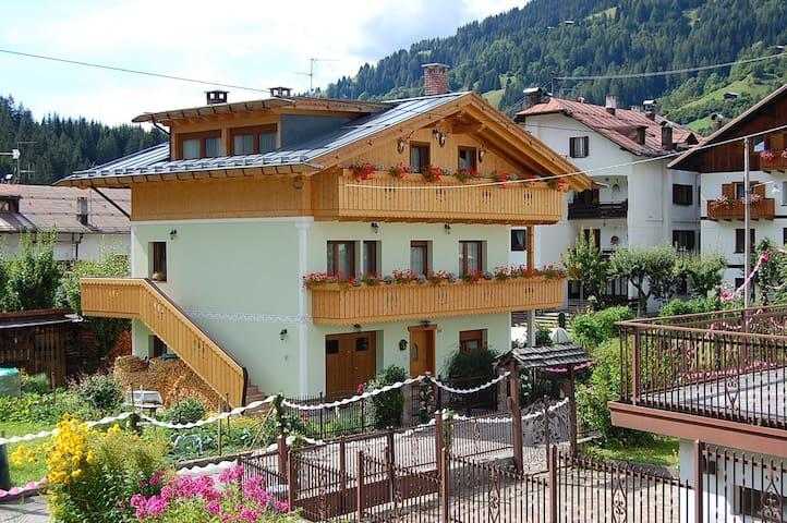Casa Natura Dolomiti - Campolongo - Haus
