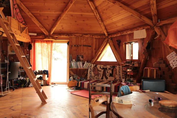 Maison ronde en bois atypique - Vaour - Hus
