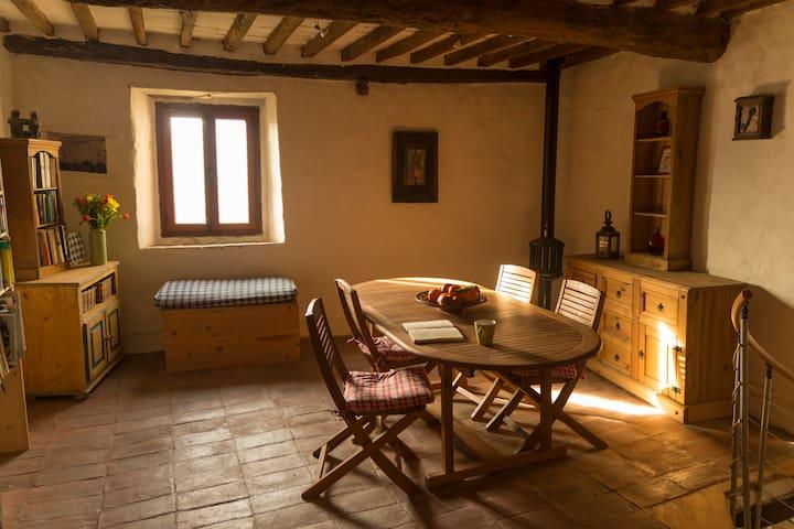 Simple and cosy house in heart of little village - Borgo a Mozzano - Talo