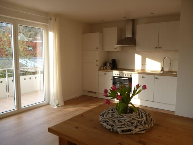 New and cozy holiday flat - Bodman-Ludwigshafen - Hus