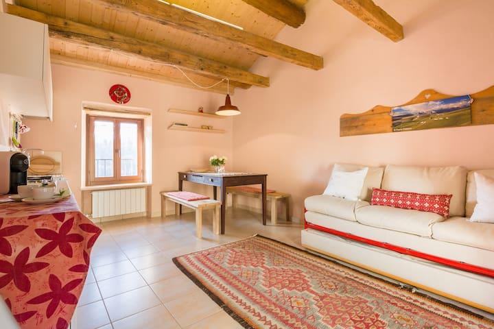 The Red Pines Home  Tranquility near Verona - Bosco Chiesanuova